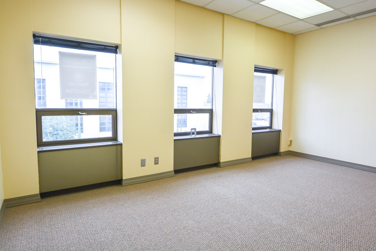 325 F Street - Office or conference room